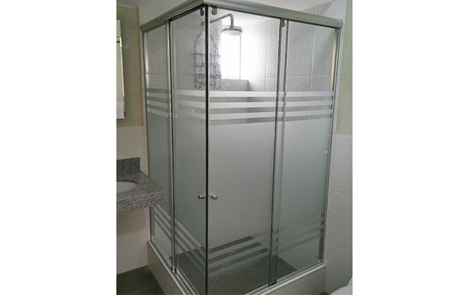 Cristalesgraf puertas de duchas vidrios y aluminios - Puertas para duchas ...
